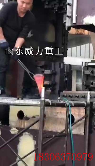 3000吨阀menhong冲you压机